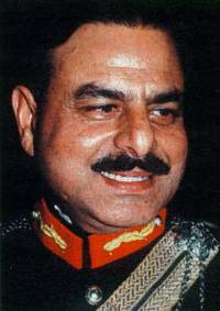 http://schema-root.org/region/asia/south_asia/pakistan/government/army/generals/hameed_gul/hamid_gul.jpg